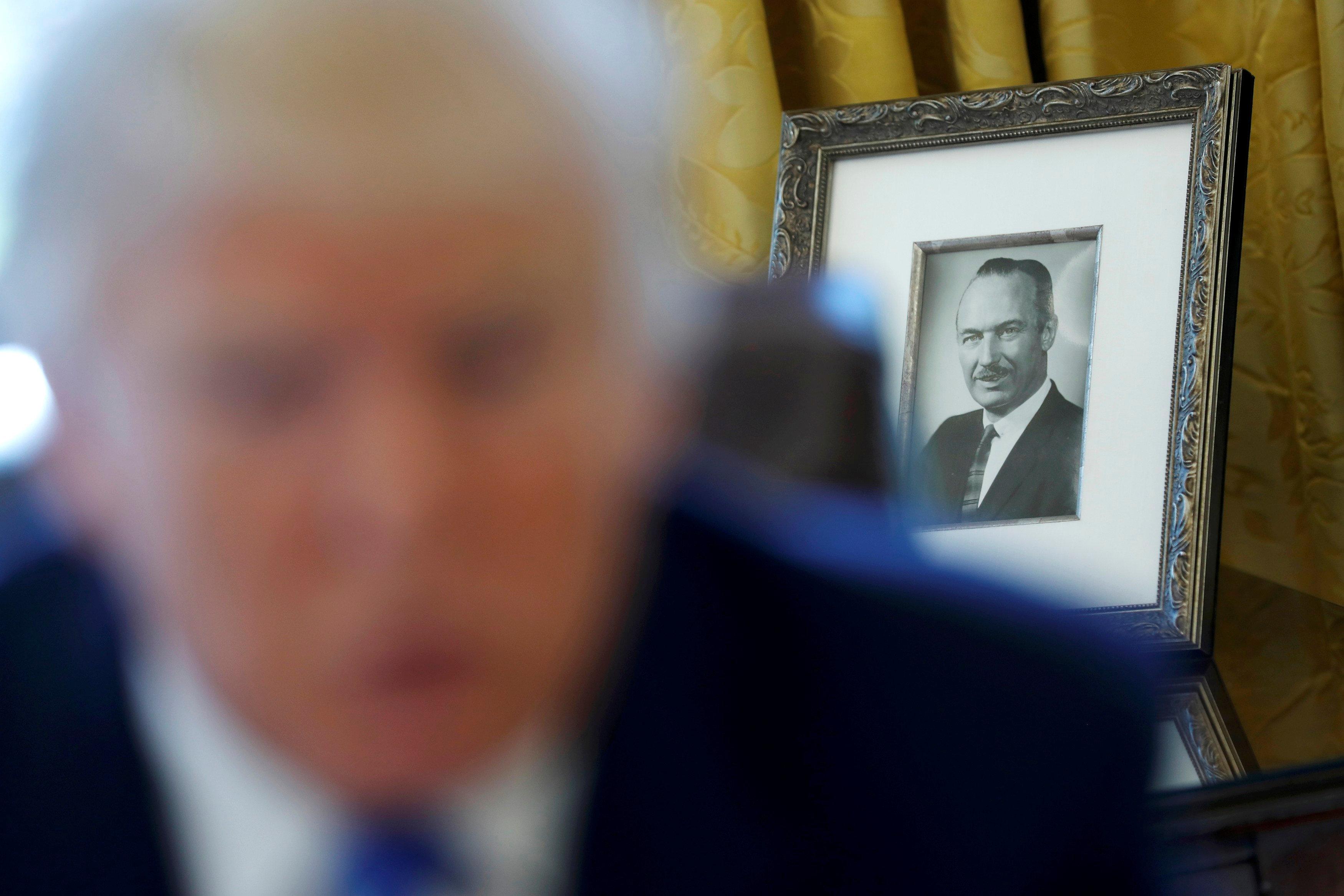 트럼프가 스스로를 '자수성가 재벌'로 묘사했던