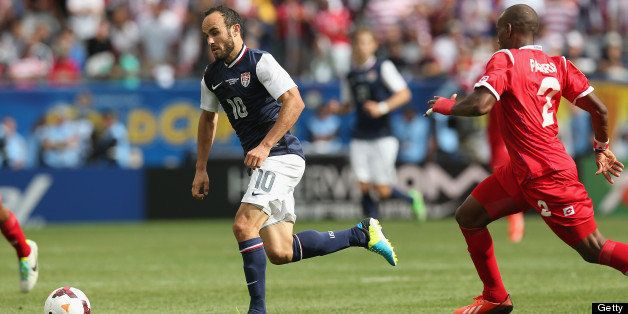 CHICAGO, IL - JULY 28:  Landon Donovan #10 of the United States brings the ball up the field against Panama during the CONCAC