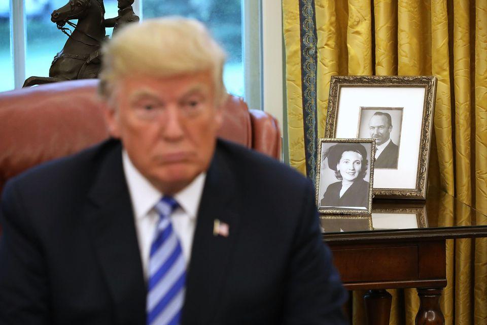 트럼프가 스스로를 '자수성가 재벌'로 묘사했던 사례들을
