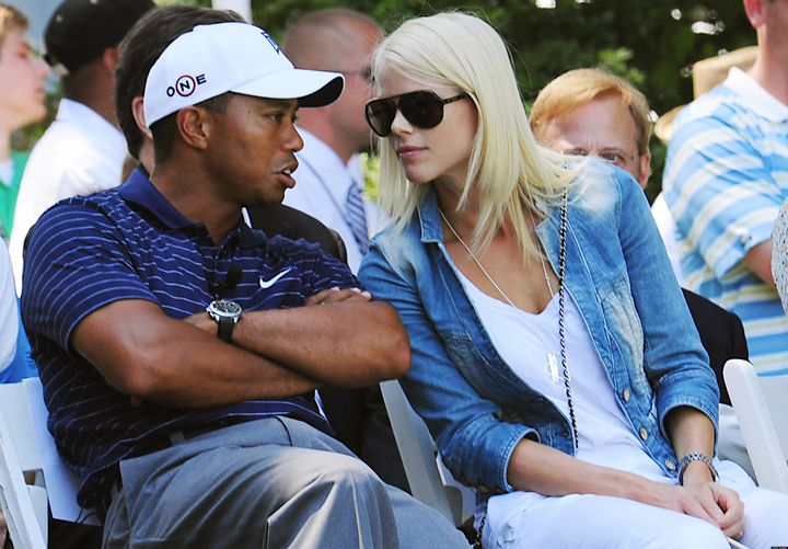 Tiger Woods and Lindsey Vonn nude selfies leaked to site