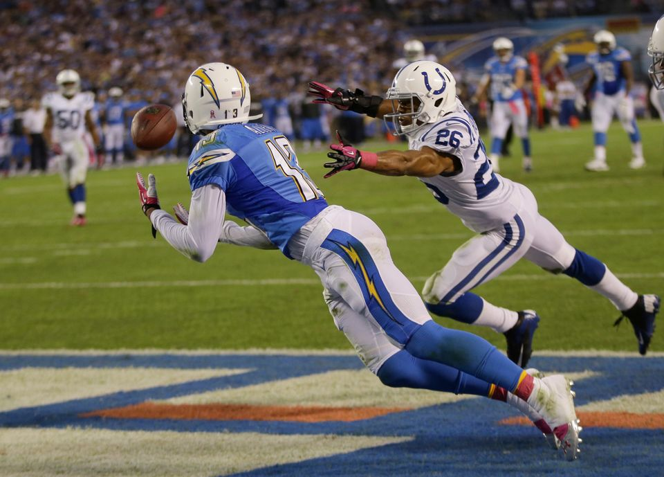 San Diego Chargers wide receiver Keenan Allen, left, makes a touchdown catch in the end zone as Indianapolis Colts free safet