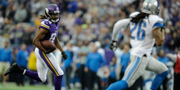 MINNEAPOLIS, MN - DECEMBER 29: Cordarrelle Patterson #84 of the Minnesota Vikings carries the ball against the Detroit Lions