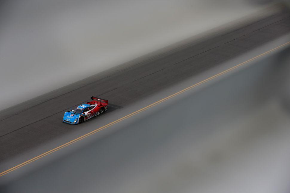 <br>The #01 Chip Ganassi Racing Telcel-Target Riley DP driven by Scott Pruett, Memo Rojas, Jamie McMurray and Sage Karem race