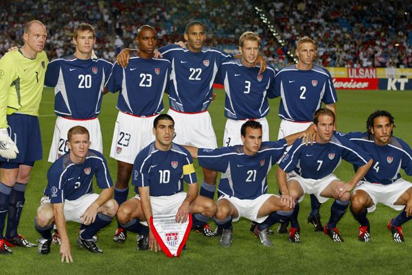 ULSAN, REPUBLIC OF KOREA:  USA line up for a team photo,  21 June 2002 at the Munsu Football Stadium in Ulsan, ahead of quart
