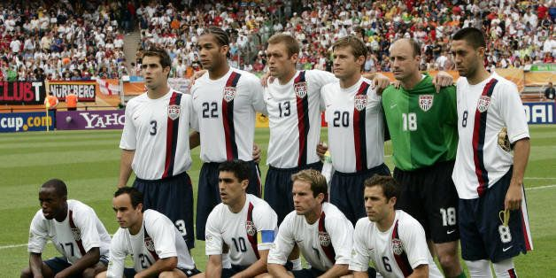 N?rnberg, GERMANY:  The US team pose at the start of the opening round Group E World Cup football match between Ghana and the