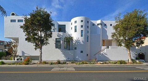 Steve Nash bought this $4.8 million mansion in L.A.'s Manhattan Beach, and plans to tear it down to build his dream retiremen