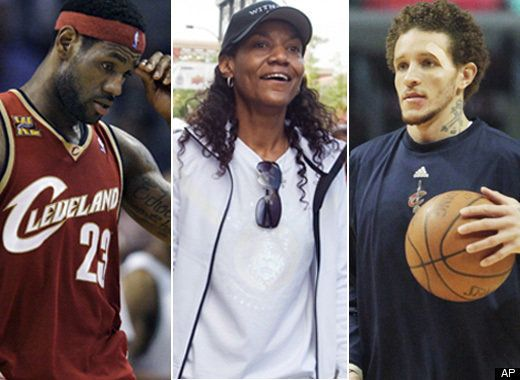 Lebron James Mom Delonte West Not Sleeping Together Lawyer Huffpost