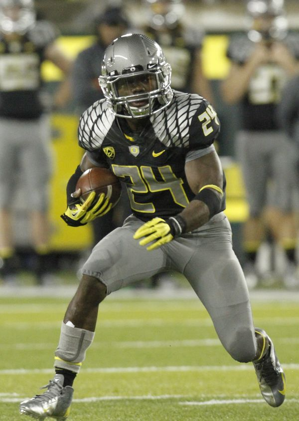 50 Oregon Football Uniforms That Changed The Way We See ...