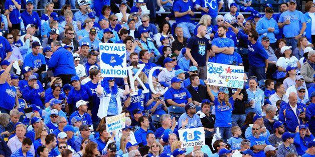 KANSAS CITY, MO - OCTOBER 15:  Kansas City Royals fans cheer during Game Four of the American League Championship Series agai