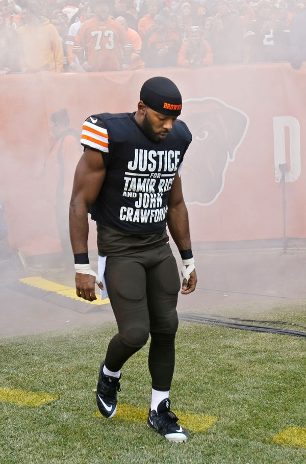 "Cleveland Browns wide receiver Andrew Hawkins wore a T-shirt calling for ""Justice For Tamir Rice And John Crawford III"" durin"