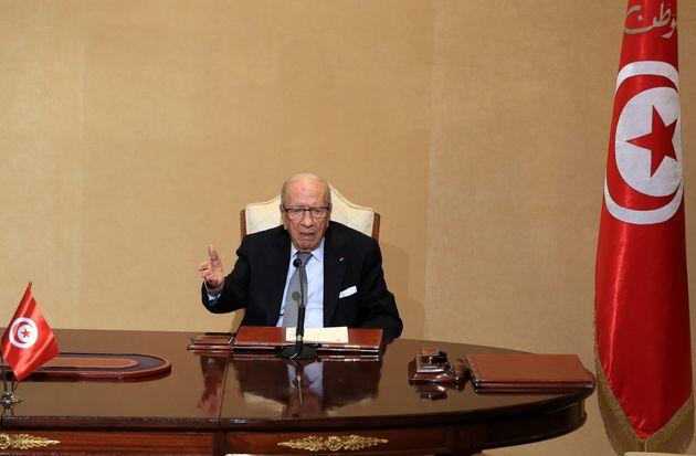 Le président de la République décrète la prolongation de l'état d'urgence pour une durée d'un