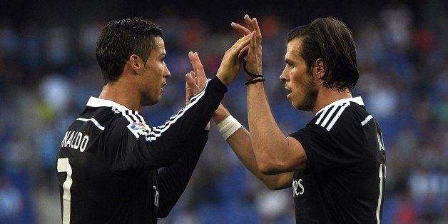 Real Madrid's Portuguese forward Cristiano Ronaldo (L) and Real Madrid's Welsh forward Gareth Bale (R) celebrate a goal durin