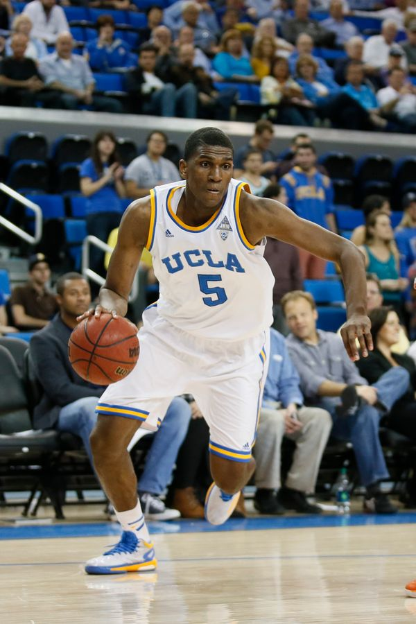 At 6-foot-9 with guard skills, Looney is an intriguing talent who averaged 12 points and nine rebounds as a freshman in Westw