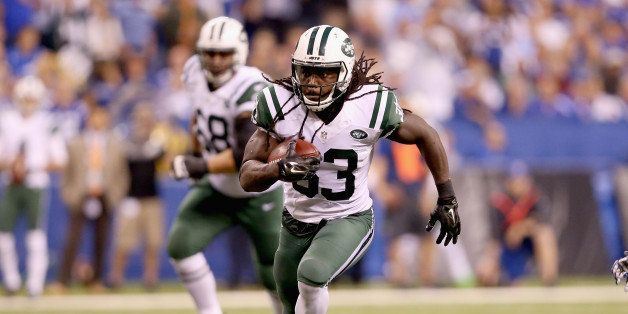 INDIANAPOLIS, IN - SEPTEMBER 21:  Chrish Ivory #33 of the New York Jets runs the ball during the game against the Indianapoli