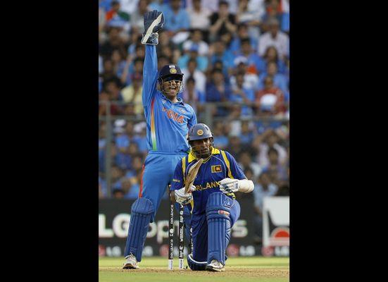 India vs  Sri Lanka: Cricket World Cup 2011 Final Highlights (VIDEO