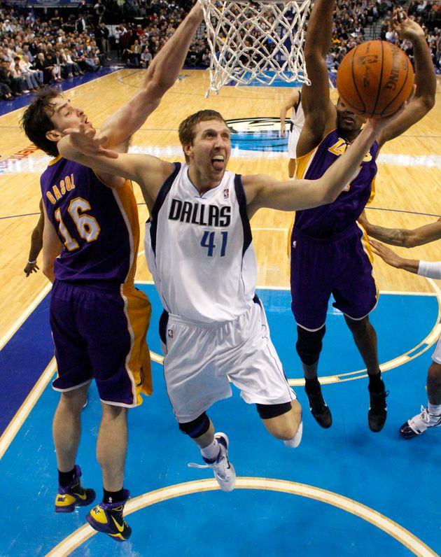 Nba Playoff Preview Lakers Vs Mavericks Huffpost