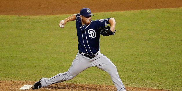 PHOENIX, AZ - SEPTEMBER 16:  Relief pitcher Craig Kimbrel #46 of the San Diego Padres pitches against the Arizona Diamondback