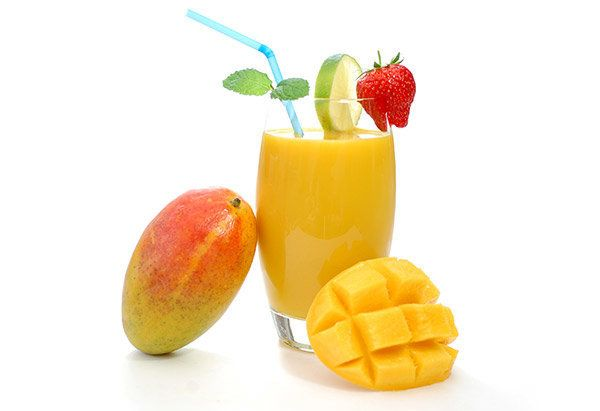 This sweet drink reminds us of the mango lassi of Indian cuisine, but here, soy milk takes the place of milk and yogurt. The