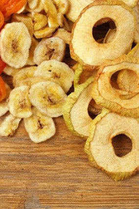 We knew fresh fruit trumps dried in almost every nutrition department -- but we were shocked to see just how big the differen