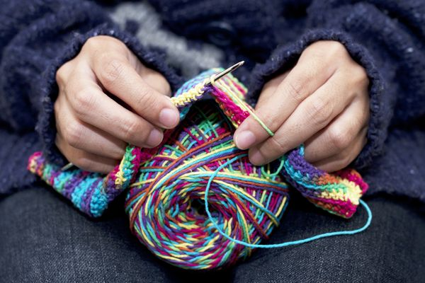 """Surround a sick child with comfort and warmth by volunteering as a """"blanketeer"""" for Project Linus. Knitters, quilters, and se"""