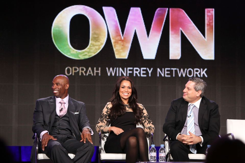 IMAGE DISTRIBUTED FOR DISCOVERY - Deion Sanders, DEION'S FAMILY PLAYBOOK talent and Executive Producer, Tracey Edmonds, DEION