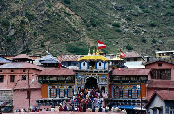 "Char Dham, <a href=""http://www.chardham.com/"" target=""_blank"">meaning ""Four Abodes,""</a> actually refers to four sites - Yamu"