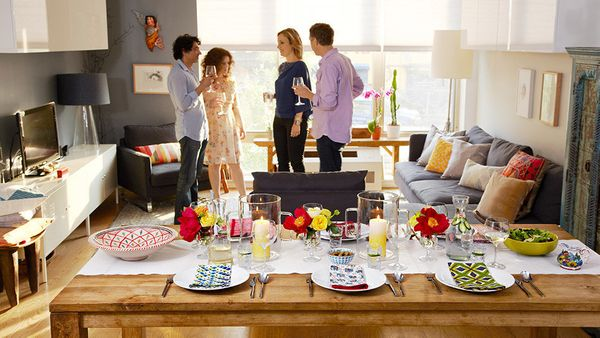 Lee designed a table that's sophisticated, bursting with colorful personality -- and easy to copy. Here's how:  <br><br> <str
