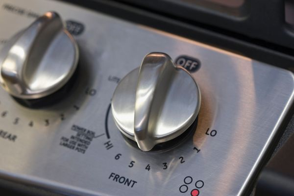 We were surprised to learn that stove dials rank higher fridge-door handles and/or microwave keypads when it comes to the lev