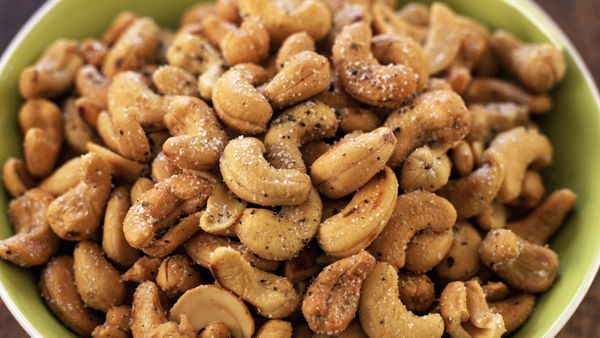 """We know that nuts are an ideal between-meal food, <a href=""""http://www.oprah.com/health/Vegetarian-Protein-Sources"""" target=""""_b"""