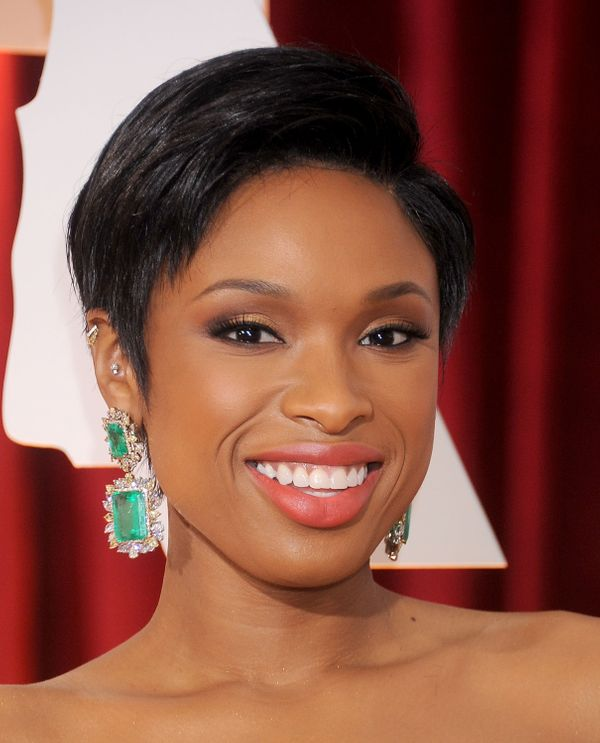 Now those are earrings! Seriously, Jennifer Hudson totally brought her A-game with her accessories last night. These emerald