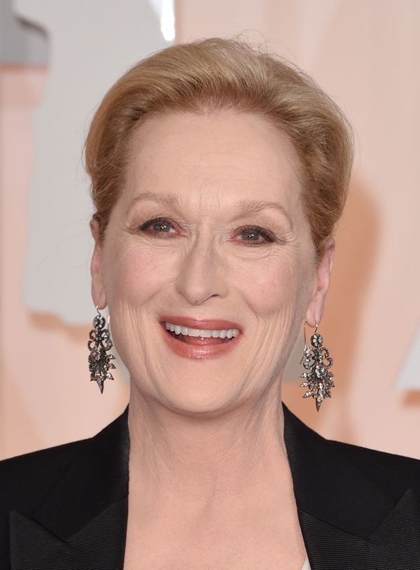 Meryl kept her beauty look simple, making sure that her beautiful statement earrings were the stars of the show. So pretty!