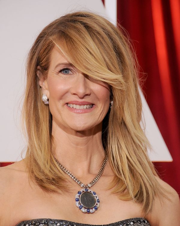 First of all, Laura Dern looked great last night. Second of all, she accessorized so well! The metal pendant surrounded by di