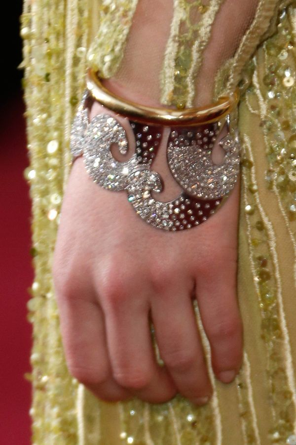 Emma's diamond encrusted cuffs were so cool, no? They looked perfectly whimsical paired with her beautiful Elie Saab gown.