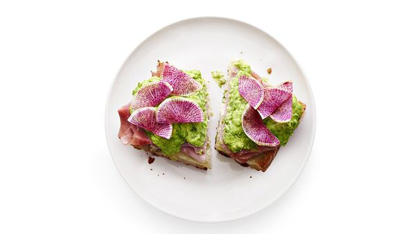 Dinner sandwiches often sound great, until you're knee-deep in assembling what can feel like a zillion components. This rendi