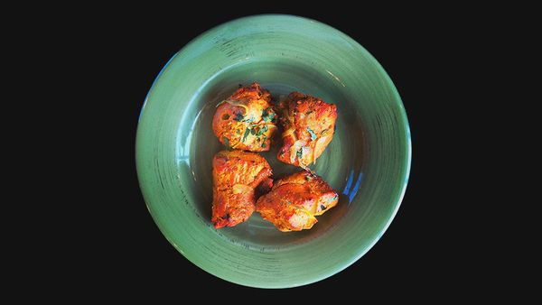 <strong>Best bet: </strong>Tandoori dishes -- they're roasted rather than fried, which keeps the calorie and fat counts down.