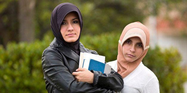 Muslim students teenage girls