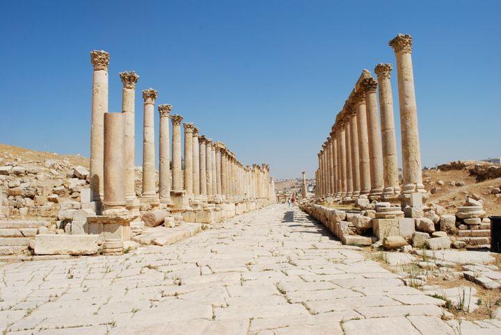 Summary: Description 1 Cardo maximus de Jerash. |  Source | Author Jeanhousen  | Date 2010-09-21 | Permission | other_version