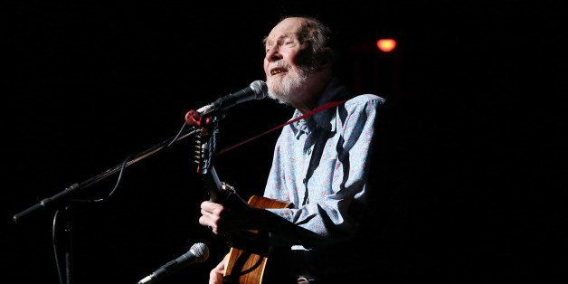 NEW YORK, NY - DECEMBER 14:  Pete Seeger performs on stage during the Bring Leonard Pelitier Home 2012 Concert at Beacon Thea
