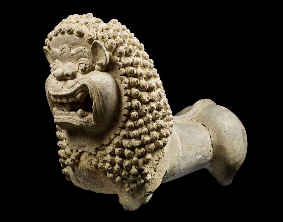 Lion Guardian, Stucco, Lent by Phra Pathom Chedi National Museum, Nakhon Pathom, Thailand, Photo: Thierry Ollivier