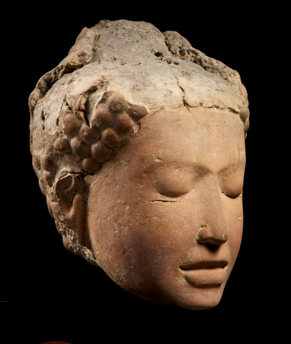 Head of Meditating Buddha, Terracotta, Lent by National Museum, Bangkok, Photo: Thierry Ollivier