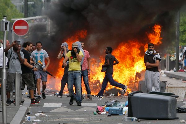 """On July 20, Jewish businesses in the """"Little Jerusalem"""" district of Paris were attacked by rioters. French Prime Minister Man"""