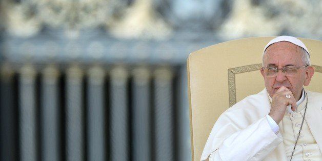 Pope Francis leads the weekly general audience at St Peter's square on August 27, 2014 in Vatican City.        AFP PHOTO / VI