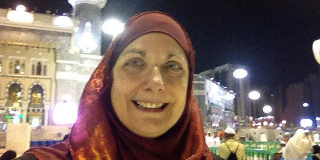 How An Illinois Mom Converted To Islam And Found Peace And Joy During Her Very First Hajj
