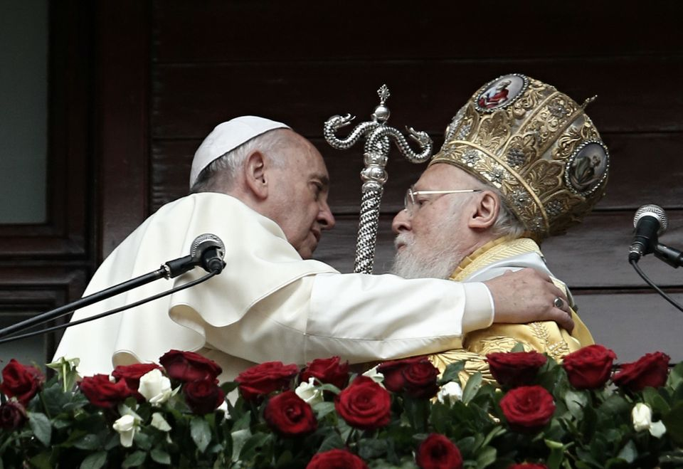 ISTANBUL, TURKEY - NOVEMBER 30: Pope Francis (L) and Ecumenical Patriarch Bartholomew I of Constantinople speak to the faithf