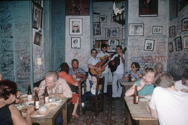 1988 - Bodeguita del Medio, the most famous bar of Havana, frequented by Ernest Hemingway. The lifting of the trade embargo c