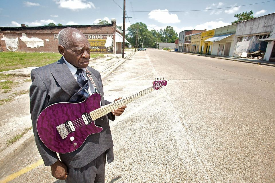 Bluesman Mr. Johnnie Billington outside his Blues Academy in Lambert, MS