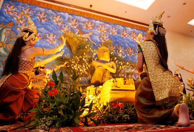 Ancient Statue Of Hindu God Hanuman Returned To Cambodia | HuffPost