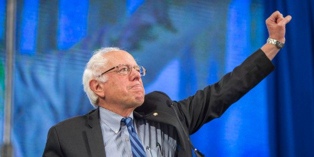 MANCHESTER, NH - SEPTEMBER 19:  Democratic Presidential candidate Senator Bernie Sanders (I-VT) makes a fist while talking on