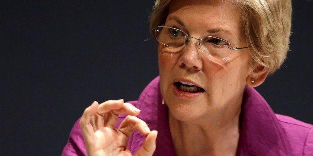 U.S. Senator Elizabeth Warren (D-MA) takes part in the Washington Ideas Forum in Washington, October 1, 2015.  REUTERS/Jonath
