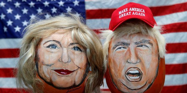 The images of U.S. Democratic presidential candidate Hillary Clinton (L) and Republican Presidential candidate Donald Trump a